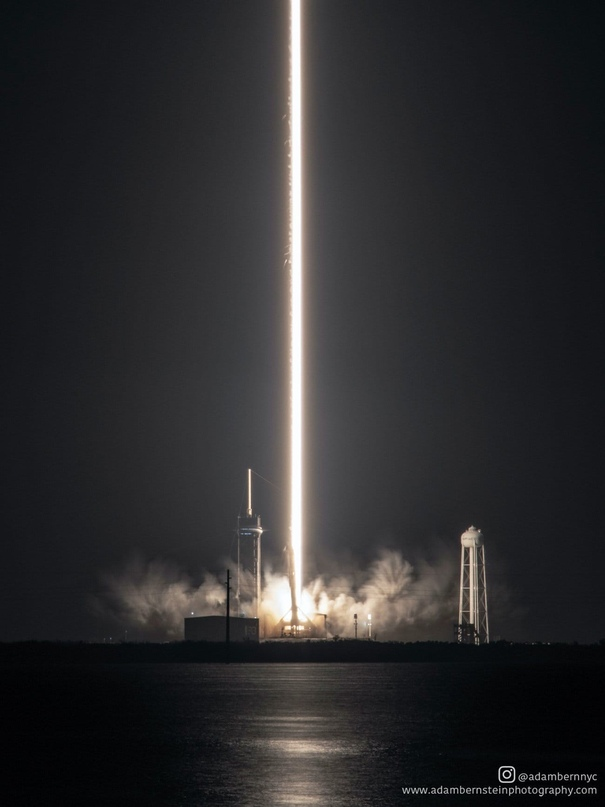 Запуск миссии SpaceX и NASA Crew-1 прошёл успешно и астронавты летят на МКС 🚀 👩🏻🚀👨🏿🚀👨🏻🚀👨🏽🚀