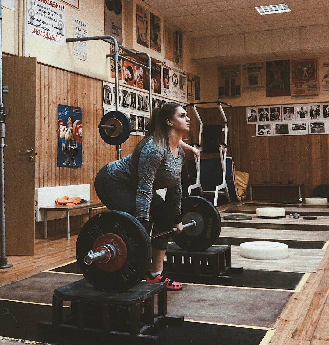 Анастасия Блинова — русская девушка со стальными мышцами