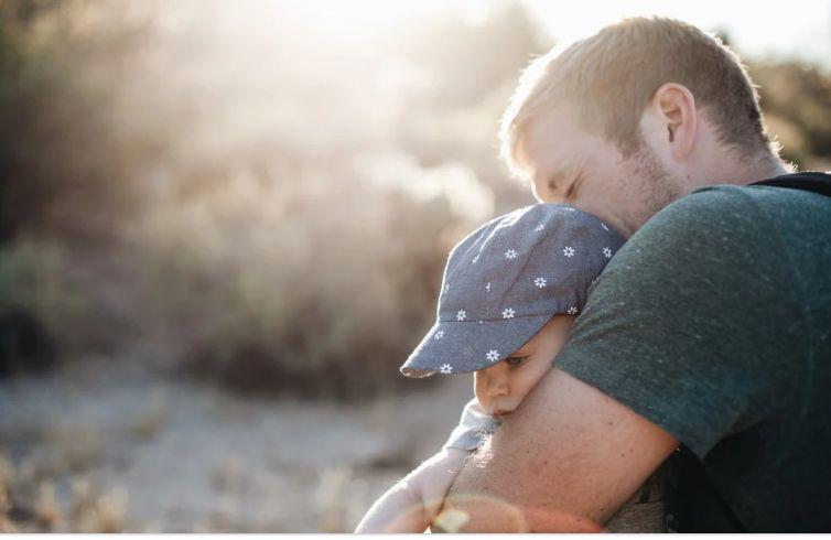 Пенсионный возраст мужчин предложили снижать после третьего ребенка