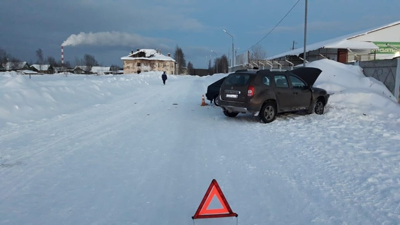 В Печоре во время столкновения автомобилей пострадали пять человек, трое из них - дети