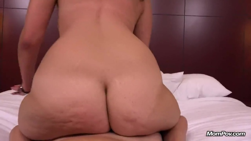 Трахает сорокалетнюю женщину до оргазма, POV mom milf sex mature porn tit boob ass woman orgasm fuck bang HD cum (Hot&Horny)