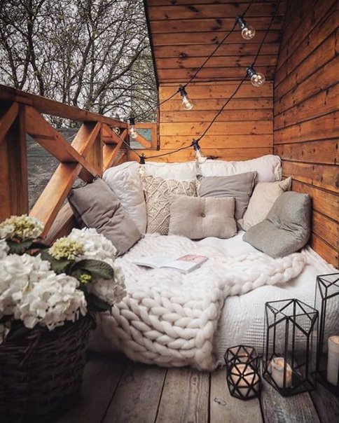 Невероятно уютный балкон