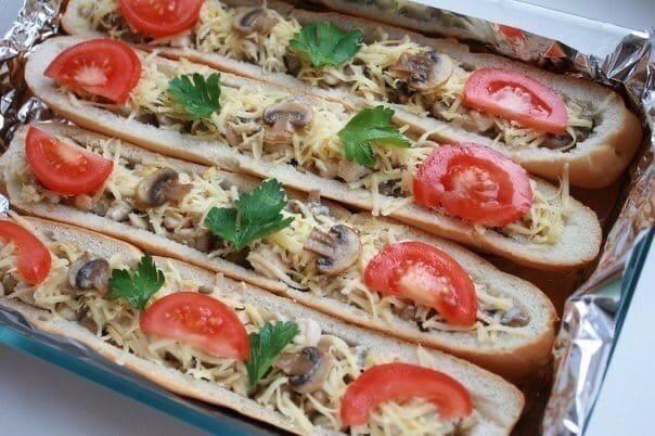 Багет, фаршированный курочкой и грибами   Ингредиенты: - 2 багета...