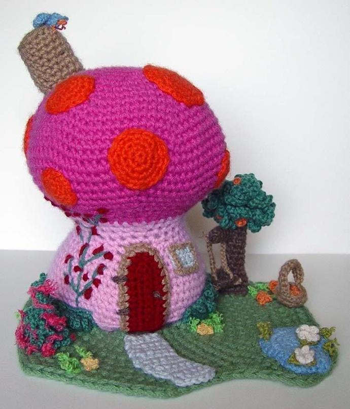 Игольницы в форме домиков-грибочков с африканским мотивом