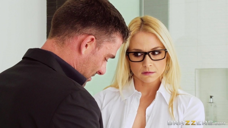 Sarah Vandella (Her First Big Sale)[2017, Anal,Big Tits,Blonde,Double Penetration DP,Threesome, 720p]