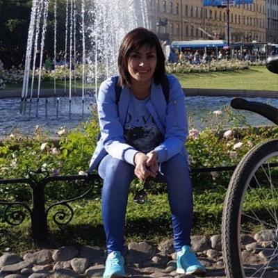 Викуля Махмудова, Санкт-Петербург
