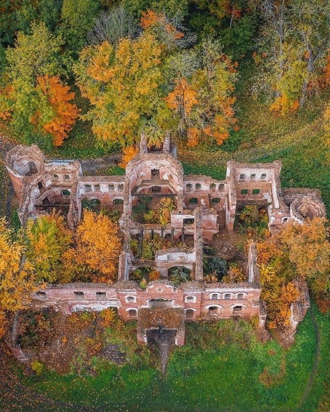 История руин усадьбы Врангелей в Торосово