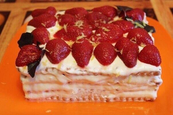 Простой торт из печенья  Ингредиенты:  Печенье квадратное — 24 шт. Молоко...
