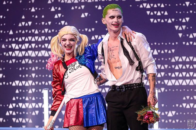 Скоро Хэллоуин ????   Харли Квин и Джокер вновь...