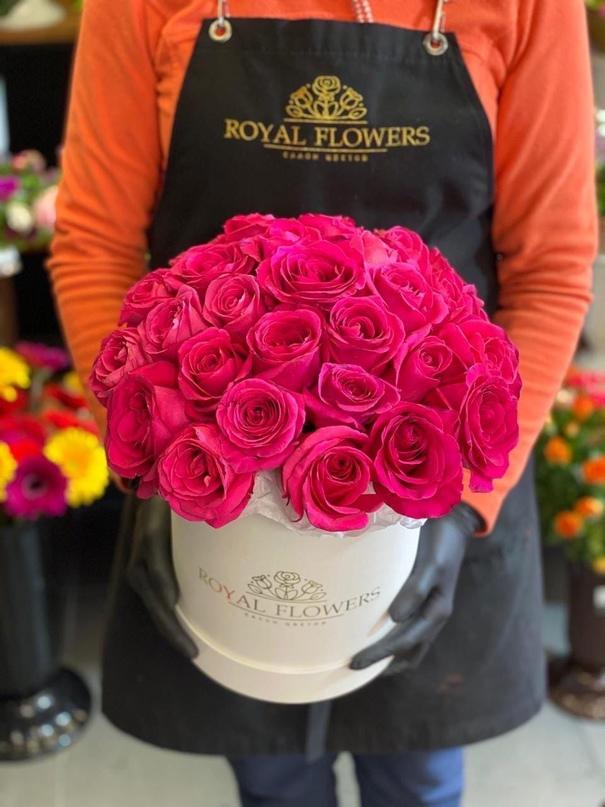Выиграй букет из 25 роз от цветочного салона Royal Flowers