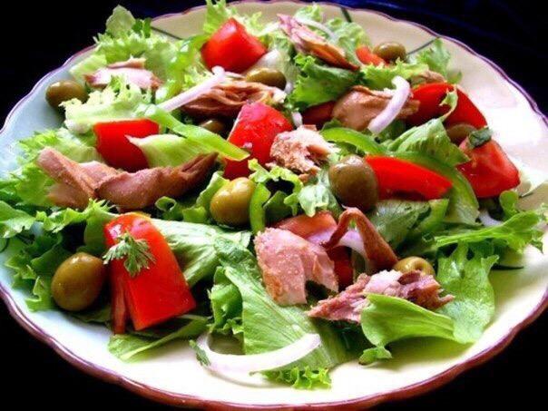 Десятка легких салатов для вкусного ужина.