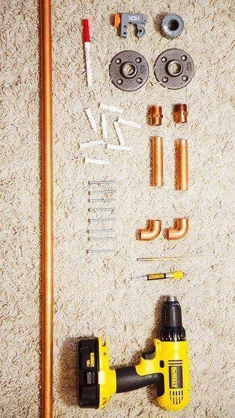 Потолочная вешалка из труб