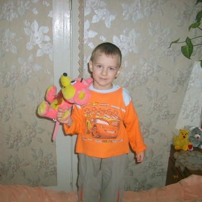 Женя Кожухов