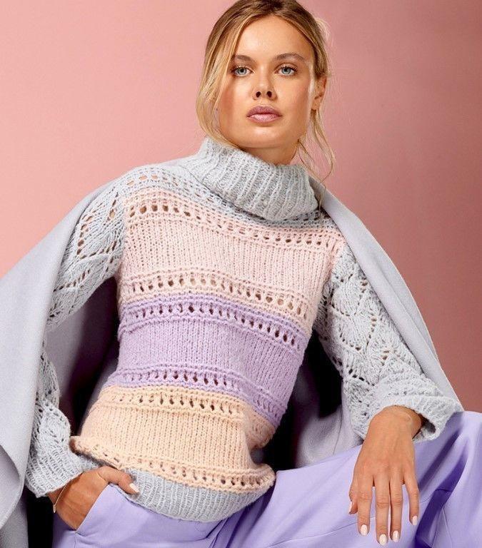 Полосатый свитер с ажурными рукавами