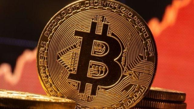 Второе серьезное потрясение для Bitcoin за месяц. За сутки стоимость криптовалют...