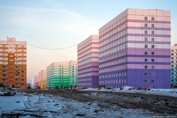 На одних фото представлен новый район Дорала, штат...
