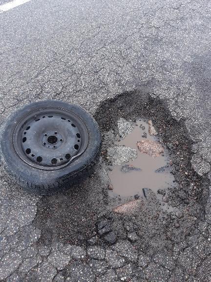 ЯНТАРНО НАЛЕТЕЛ  Добрый день, Ядушка. Вот такая коварная яма попалась нам на дороге между старым и... [читать продолжение]