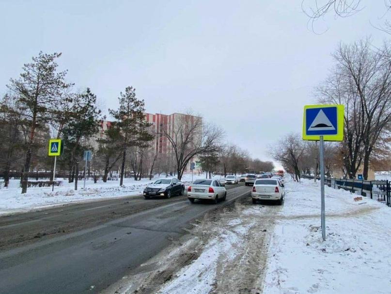 Жители Оренбурга возмущены «бездумной» установкой дорожных знаков в городе
