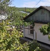 Продам дом в живописном горном Крыму в селе Танковое Бахчисарайского района. Площадь дома 63 м2. 3 к