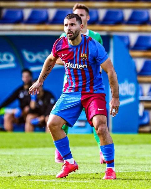 Агуэро отметился голом в дебютном матче за «Барселону»...