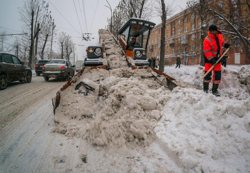 Городские власти назвали причины плохой уборки снега в Екатеринбурге.