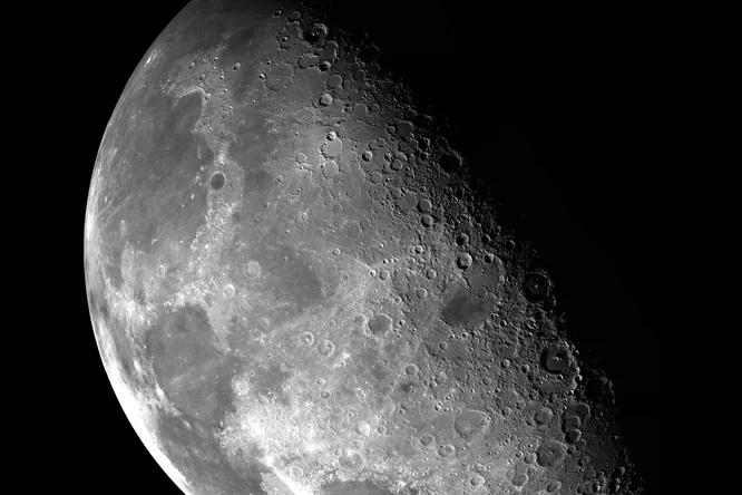 «Роскосмос» начал готовиться к первой высадке российских космонавтов на Луну