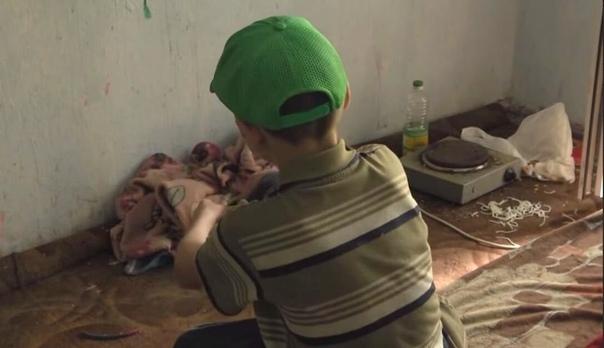 В Москве мать на 5 суток оставила 10-летнего мальчика без еды и света