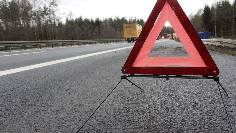 Полицейские Оренбурга задержали угонщика, который перевернулся на чужом автомобиле