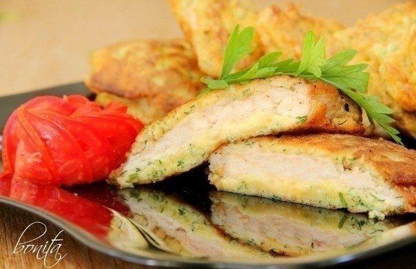 Куриные отбивные с сыром  Ингредиенты:  - 500 г куриной грудинки -...