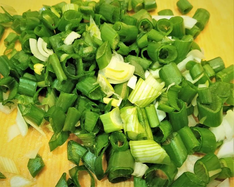 Простой и вкусный салат из фасоли и крабовых палочек. Здравствуйте. Сегодня решила приготовить салат на скорую руку из фасоли и крабовых палочек. Салат готовить легко и быстро, а если заранее отварить яйца, то вообще готовится за считанные...