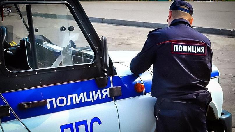 В Саратове полицейские украли телефон у прохожего и взяли на него кредит