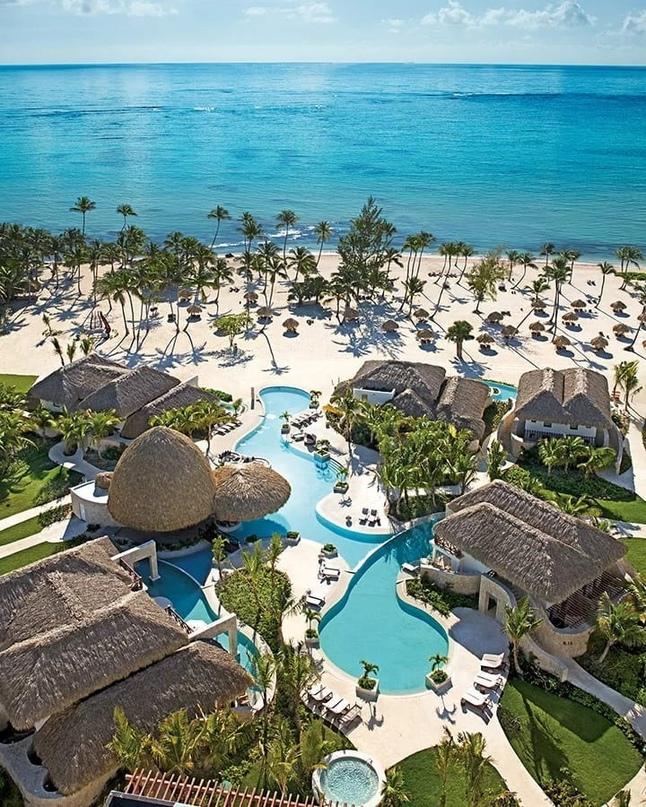 Сегодня хотим рассказать вам о лучших отелях Доминиканы, относящимся к категории...