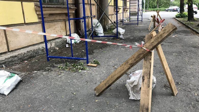 Из-за роста цен на стройматериалы школы Оренбуржья могут остаться с дырявыми крышами