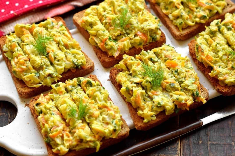 Рецепт очень вкусной намазки на хлеб на основе кабачков. Для усиления вкуса каба...