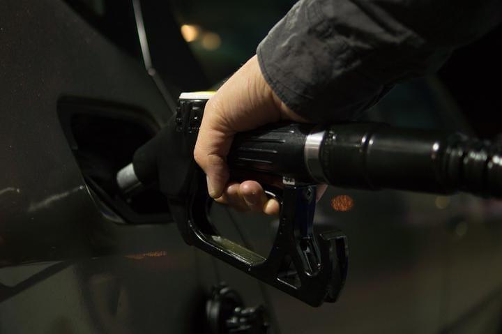 С 4 мая снова дорожает автомобильное топливо