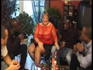 Brigitte Berthet - 5 Blacks pour Maman et Moi [BBW, Big Tits, Black, Blowjob, Cumshot, Facial, Gangbang, Interracial, MILF]