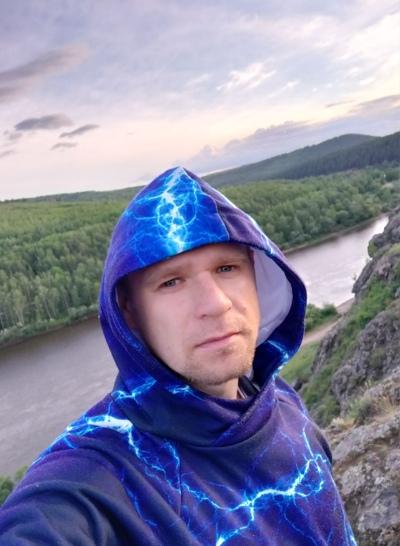 Алексей Глухарёв