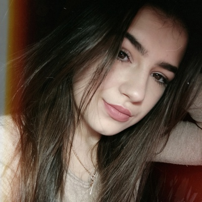 Лена Мельниченко, Дивизия