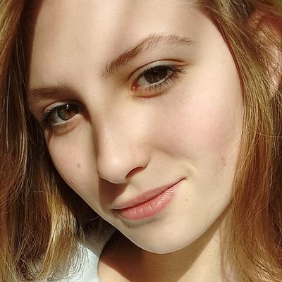Аня Мокроносова