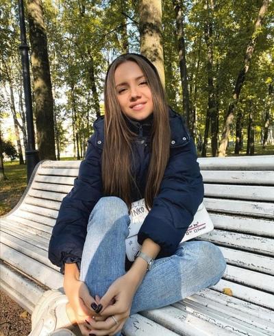 Анна Николаева