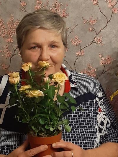 Надежда Боброва, Санкт-Петербург