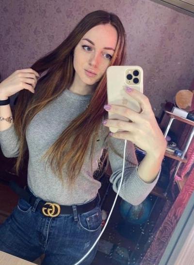 Олеся Суханова, Москва