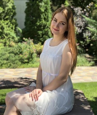 Тамара Антонова, Москва