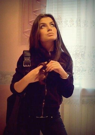 Ляйля Захарова, Москва