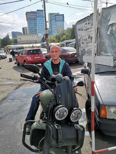 Александр Добрый, Москва