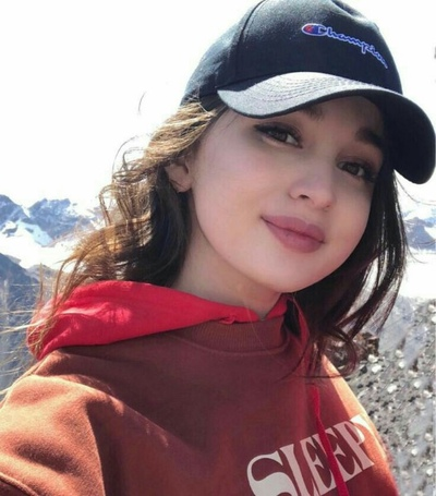 Safiya Samieva, Аксукент