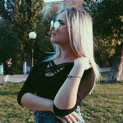 Эля Сотникова
