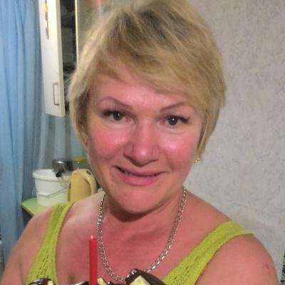 Елена Капарова