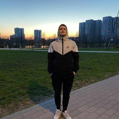 Андрей Белов, Москва