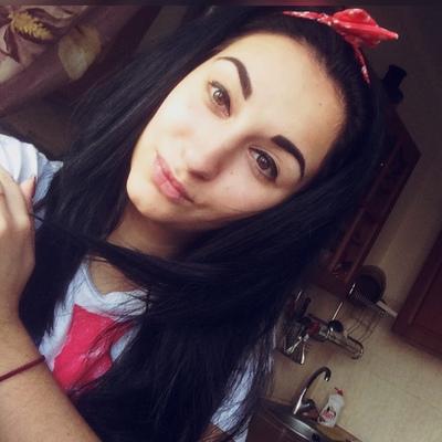 Стася Куценко